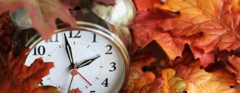 clock-and-fall-leaves